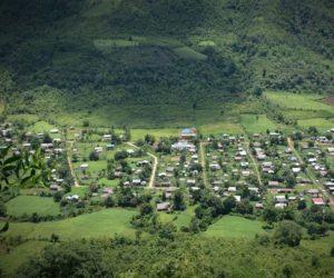 တောင်တန်းနှင့်မြေပြန့် မဆုံသောလမ်း
