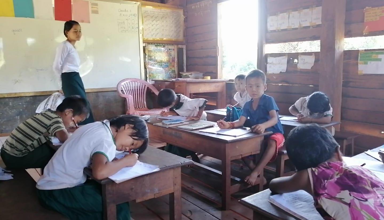 တိုင်းရင်းသားစာပေမြှင့်တင့်ရန် ဆရာ/မများကို လုံလောက်သည့် အထောက်အပံ့ပေးစေလို