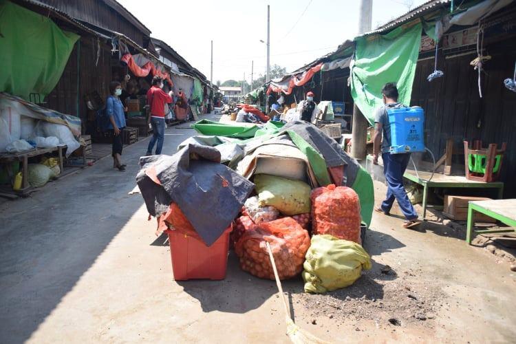 လွိုင်ကော်မြို့ရှိ ဈေးများ တစ်ပတ်လျှင်သုံးရက်သာဖွင့်၊ ကျန်ရက်တွင် ပိုးသတ်ဆေးဖြန်း
