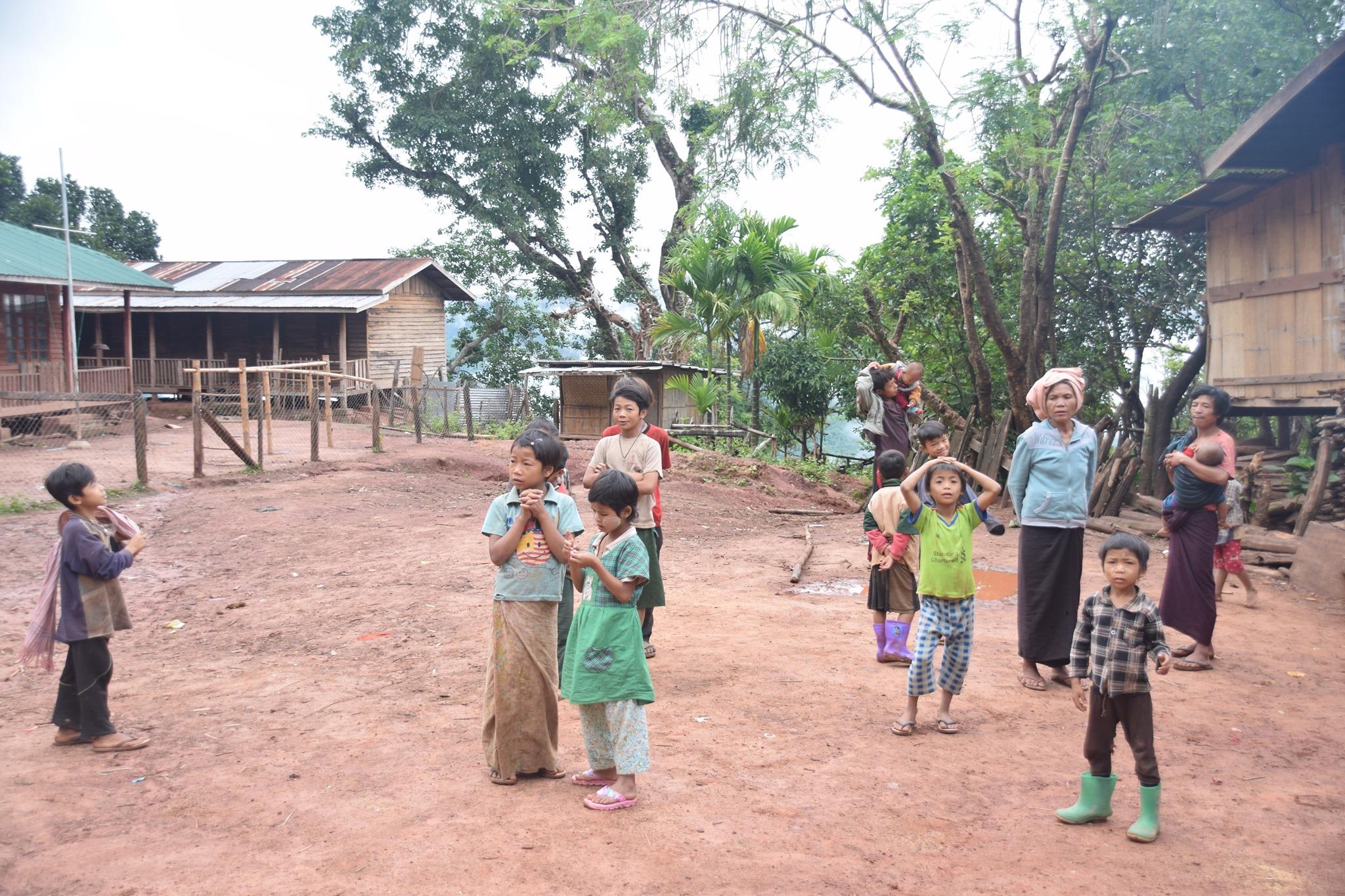 ဖရူဆိုမြို့နယ် ထီးလိုပူကျေးရွာမှာ ကလေးငယ်၃၀ ခန့် ချောင်းဆိုးသွေးပါရောဂါဖြစ်နေပြီး ကျန်းမာရေးစောင့်ရှောက်မှုလိုအပ်နေ